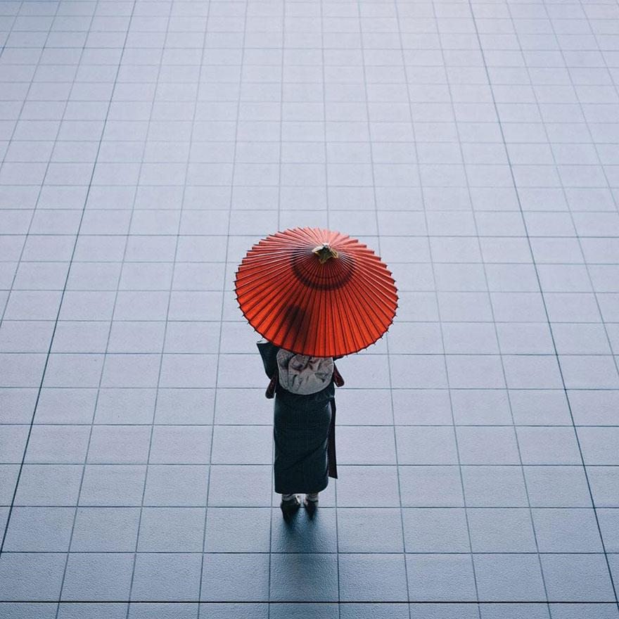 japan-street-photography-54-580888f389a31__880