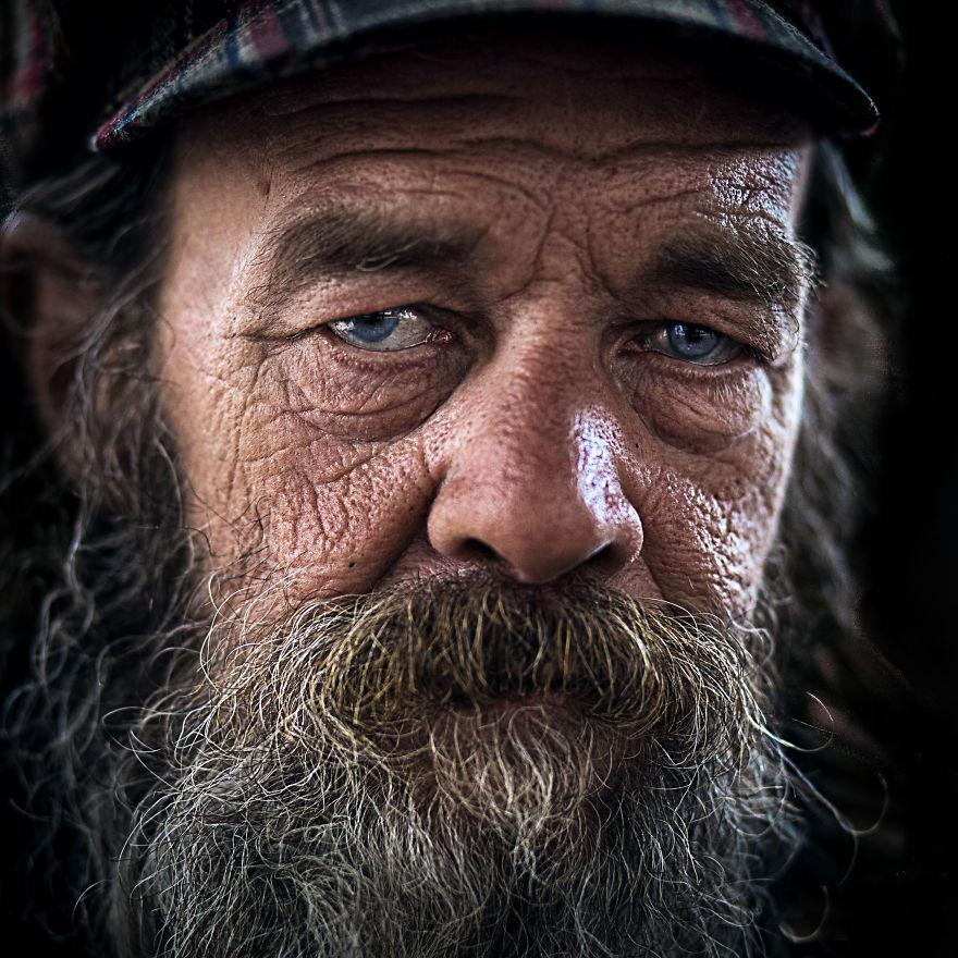 Careful-Soul-Inside-A-photographers-journey-Throughout-the-West-Coasts-Homeless-Souls-582bcc27d4af9__880