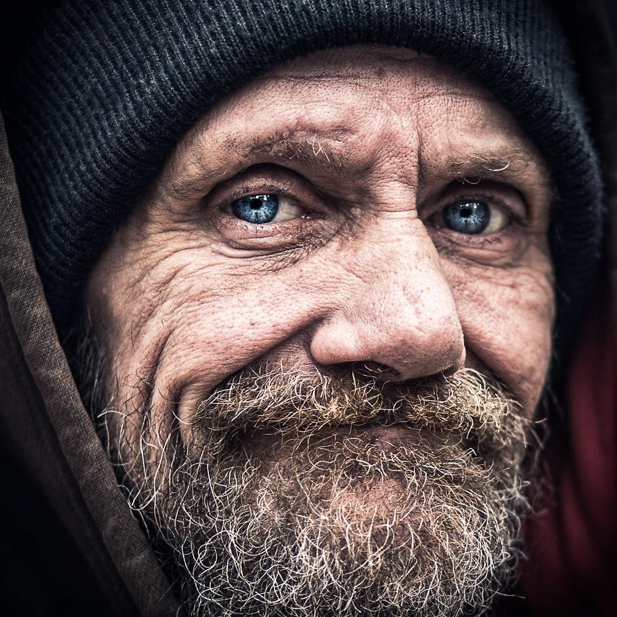 Careful-Soul-Inside-A-photographers-journey-Throughout-the-West-Coasts-Homeless-Souls-582bd2bac3f2e__880