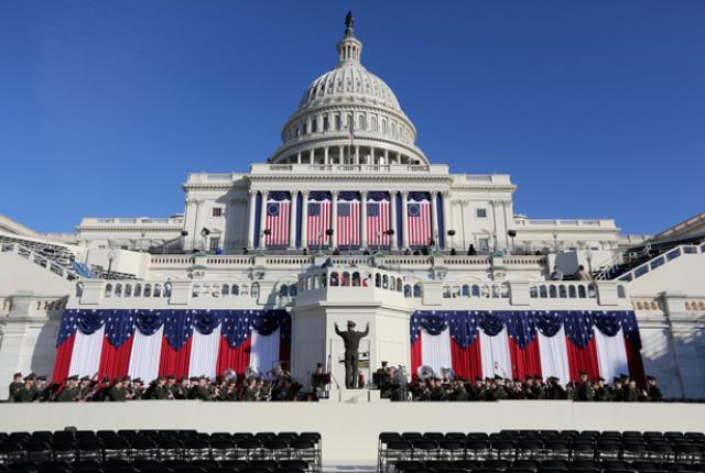 Зошто американските претседатели чекаат два месеца пред да стапат на функција