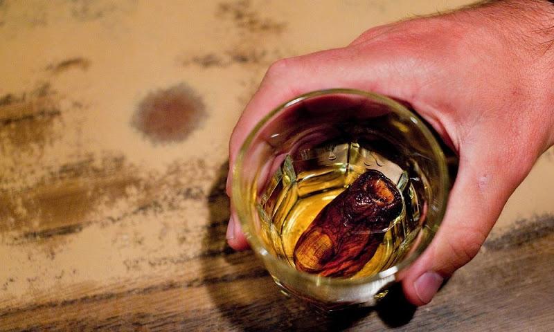 Вискито што се прави со вистински човечки палец