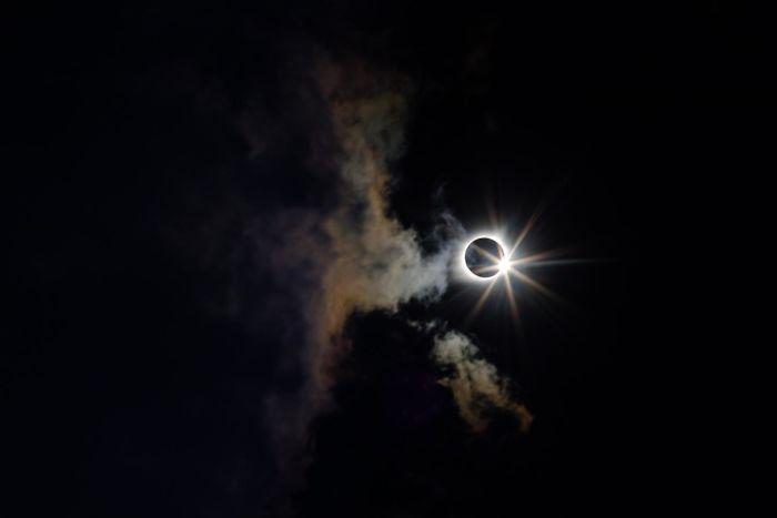 Во 2019-та не очекуваат спектакуларни призори на небото: три помрачувања на Сонцето и две на Месечината