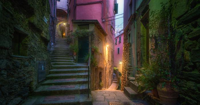 Споредните улички во италијанските гратчиња се како од сликовница