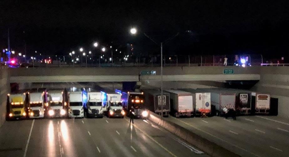 13 камиони спречија човек да се самоубие